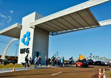 UFG abre vagas em concurso com salários de até R$ 9.585,67
