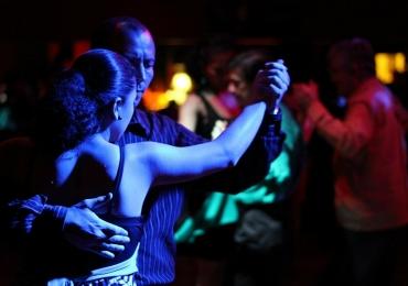 Grupo de dança promove encontros para os amantes do tango em Goiânia