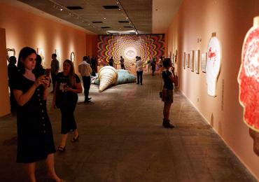 Exposição em Brasília traz sorvete gigante para interação com o público de todas as idades