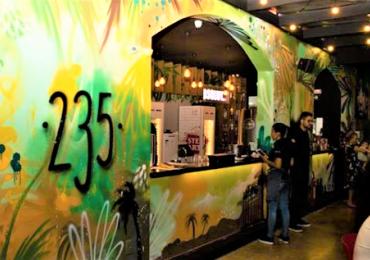 Pub de Goiânia recebe show com o melhor do pop e rock