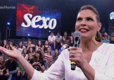 Laura Muller fica sem resposta com pergunta indiscreta no 'Altas Horas'
