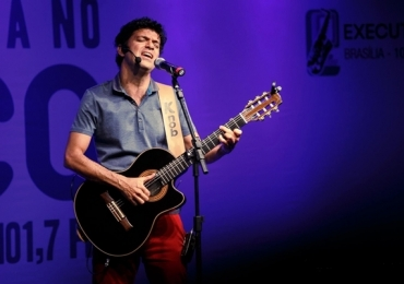 Jorge Vercillo faz show em Uberlândia