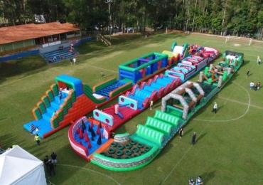 Uberlândia recebe 'Monster Race': inédito circuito de brinquedos infláveis com atividades radicais