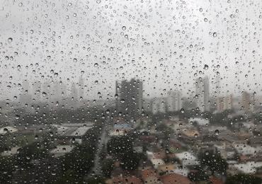 Defesa Civil emite alerta para fortes chuvas nos próximos dias em Goiânia