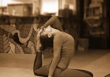 Aula de Yoga beneficente acontece no Sunset Wake Park