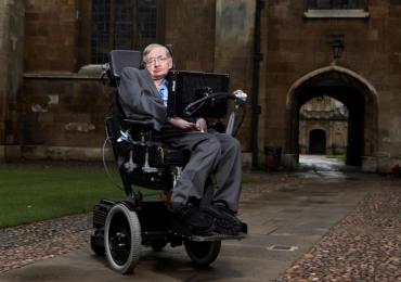 Disseram que ele não chegaria aos 30 mas Stephen Hawking viveu 76 anos e produziu mais que muitos pessimistas