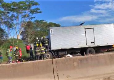 Urgente! Grave acidente paralisa a BR-153 nos dois sentidos em Goiânia
