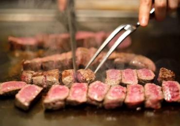 Novo restaurante em Goiânia com vista panorâmica promete a maior variedade de carnes do Brasil