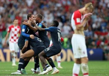 França goleia Croácia e é bicampeã na Copa do Mundo