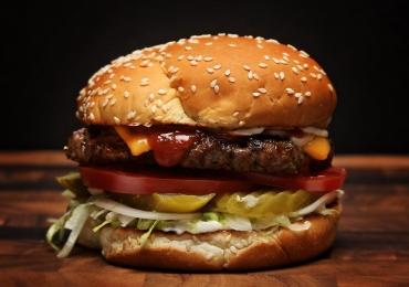 Burger King dará sanduíche gratuito em comemoração ao Halloween
