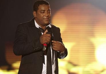 Em noite de gala, Raça Negra se apresenta em Goiânia