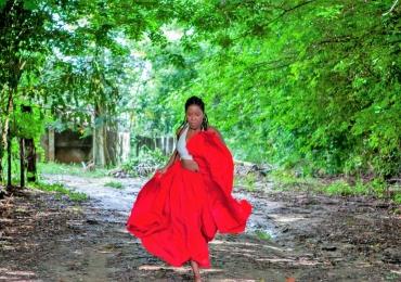 Primeira bailarina negra de Goiânia apresenta o espetáculo 'Adobe' marcando o Dia Internacional da Mulher