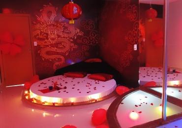 'Sexo no viaduto não rola, vem pro Vênus' é o conceito da postagem criativa desse motel de Uberlândia