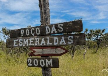 Descobrimos um poço incrível com águas cristalinas que é um verdadeiro pedaço do paraíso em Goiás