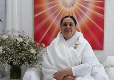 Sister Rajni dos EUA fará palestra gratuita sobre meditação em Uberlândia/ O evento acontece nesta segunda-feira (19), na CDL Uberlândia