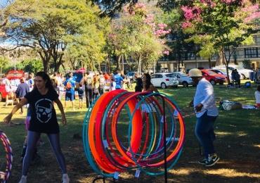 Evento em Brasília diverte os pequenos com oficinas, mágica e contação de histórias