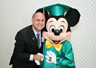 Vitrine do Conhecimento inicia temporada 2017 com palestra de ex-executivo da Disney