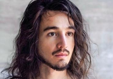 Após hiato, Tiago Iorc faz show acústico em Brasília