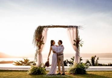 Descobrimos o lugar perfeito para quem quer um casamento intimista de frente para o mar