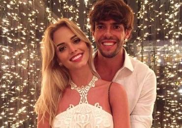Kaká assume publicamente namoro com a goiana Carolina Dias