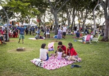 Feira Picknik tem espaço para expositores e apresenta bandas nacionais e internacionais em Brasília