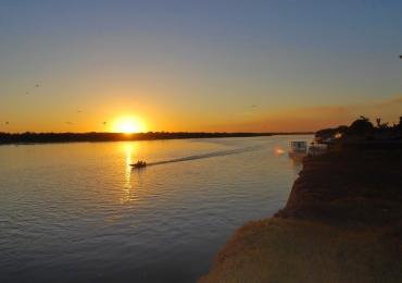 Pousadas em cidades goianas para conhecer o Rio Araguaia com conforto