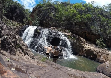 Banho Pelado: a cachoeira de nudismo na Chapada dos Veadeiros