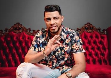 Dono do hit 'Tudo Ok', JS o Mão de Ouro faz show em Brasília