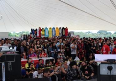 Com concurso de cosplay, youtubers e jogos Catsu reúne fãs de animes e tokusatsus em Uberlândia