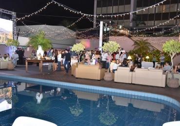 Castro's Park Hotel em Goiânia promove festival de vinhos à beira da piscina
