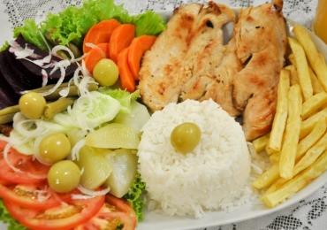 Goiânia recebe almoço beneficente com comida à vontade por apenas R$10