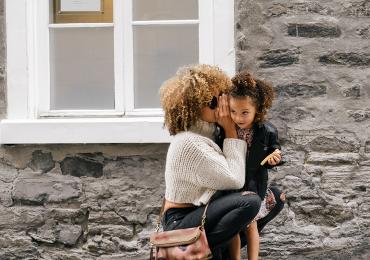 Shopping Bougainville recebe exposição fotográfica Mães & Filhos