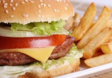 Festival de hambúrguer e batata frita à vontade por R$ 35 acontece em Goiânia