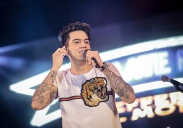 Jefferson Moraes faz show no Deu Praia 2018 em Goiânia