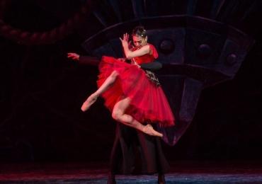 Bailarina de Goiânia é indicada ao prêmio máximo do balé