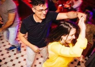 Forró, samba, sertanejo: 05 lugares para dançar agarradinho em Goiânia