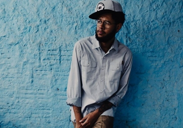 Rapper Emicida se apresenta em Goiânia