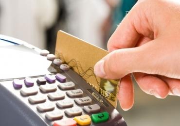 Lei que proíbe a cobrança de valor mínimo para compras no cartão de crédito e débito é aprovada em Goiás