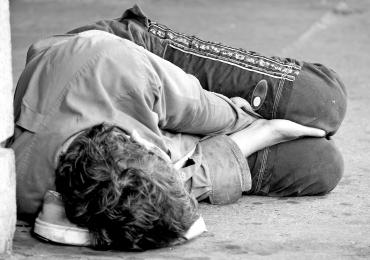 Projeto ajuda moradores de rua a recuperarem sua dignidade em Goiânia