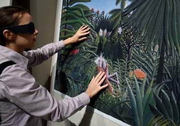 Fotografias, obras sensoriais, vídeo e instalação compõem a exposição (Re)existência