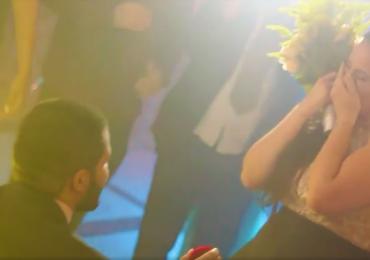 Pedido irreverente de casamento interrompe festa em Brasília; veja o vídeo