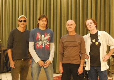 14 Bis faz show acústico em Goiânia