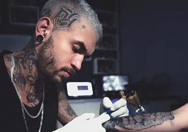 Conheça os goianos que transformam 'borrão de tatuagem' em uma verdadeira arte