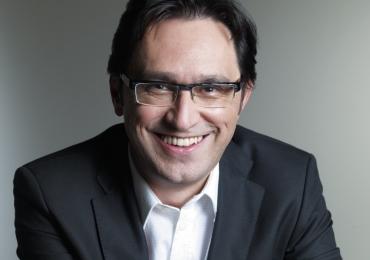 Ex-editor da Playboy, Edson Aran, ministra oficina gratuita de escrita criativa em Goiânia