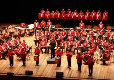 Banda Sinfônica dos Fuzileiros Navais faz concerto gratuito em shopping de Brasília