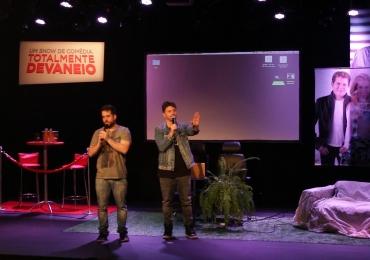 Comediantes Maurício Meirelles e Daniel Zukerman desembarcam em Brasília para show interativo