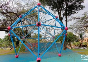 Conhecemos uma pracinha em Goiânia que está fazendo o maior sucesso com a criançada