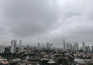 Goiânia começa o ano com chuva e INMET emite alerta amarelo para os próximos dias