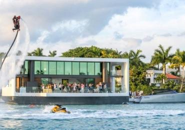 Mansão flutuante esta localizada em Miami e custa $5,5 milhões