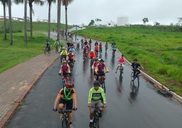 Evento de ciclismo gratuito em Goiânia inclui deficientes visuais